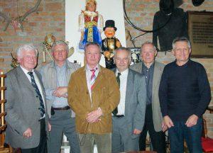 """Prvé stretnutie """"otcov zakladateľov"""" sa konalo 2.4. 2008 v Piešťanoch. Zúčastnili sa na ňom Vincent Petényi, Štefan Rohár, Evgenij Akimov (výbor veteránov JE Rosenergoatom), Juraj Kmošena, Jozef Keher a Viliam Ziman."""