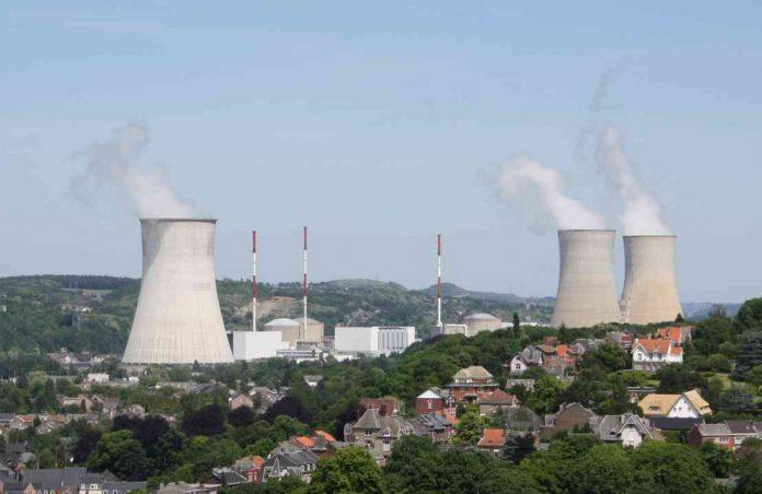 Jadrová elektráreň Tihange v Belgicku má 3 tlakovodné reaktory. Zdroj: Wikipedia