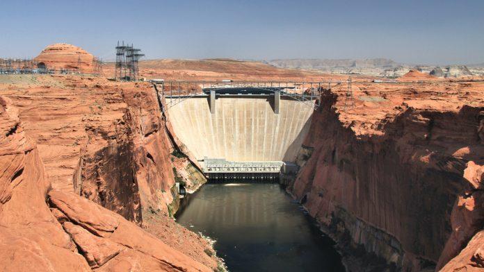 Kaliforniu sužujú extrémne suchá, negatívne to ovplyvňuje výrobu vodných elektrární.